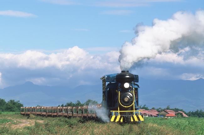 Hawaiian-Philippine Steam Locomotive. Photo by Bernd Seiler.