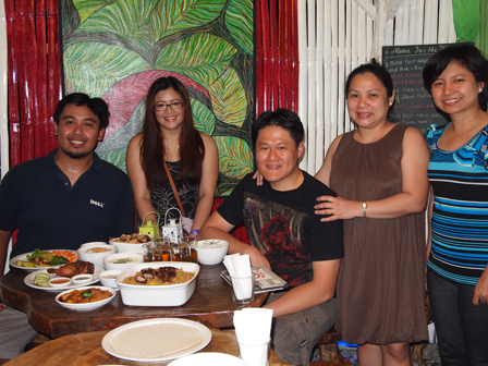 bloggers at Saigon Cafe